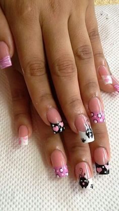 Cute idea for nails Girls Nail Designs, French Nail Designs, Toe Nail Designs, Cat Nails, Pink Nails, Fingernails Painted, New Nail Art Design, Valentine Nail Art, Pretty Nail Art