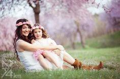 sesión de fotos en familia primavera en almendros en flor barcelona (6)