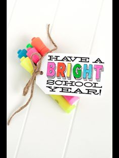 Make your new teachers feel special and welcome with a handmade gift from your kiddos. Any teacher would love one of these kid-friendly gifts that are perfect for back to school. Here are 9 Kid-Friendly Gifts to Make for Teacher& Back to School. Back To School Party, Back To School Crafts, Back To School Teacher, School Parties, First Day Of School, School Fun, Middle School, High School, School Ideas