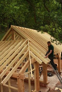 A fitting timber garage - Oliver Gibbs Carpentry & Joinery, Shrewsbury Timber Garage, Timber Roof, Pole Barn House Plans, Pole Barn Homes, Roof Truss Design, Framing Construction, Carpentry And Joinery, Building A Shed, Building Homes