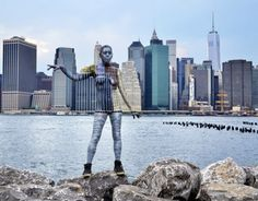 Artist Uses Body Paint To Cleverly Camouflage Models In Iconic NYC Scenes (Photos) New York City Background, City Backdrop, Ville New York, New York Pictures, Nyc Skyline, Manhattan Skyline, Manhattan Bridge, Time Photography, Inspiring Photography