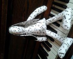 music bunny, zenenyúl Piano Art, Bunny, Music, Design, Musica, Cute Bunny, Musik, Muziek