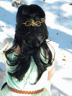 SALE Store wide SALE   Buy any 2 clips SAVE $$$ $5 Buy any 3 clips SAVE $$$ $10   Use Coupon code 5OFF2, SAVE10ON3 at checkout! Gorgeous ribbon Gold Hair Bow, Hair Slide, Hair Decorations, Hair Reference, Hair Jewelry, Metal Jewelry, Hair Sticks, Wire Weaving, Hair Barrettes