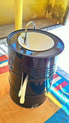 Ideia GetOne Barrel Sink, Oil Barrel, Garage Furniture, Barrel Furniture, Cafe Interior Design, Cafe Design, Fontaine A Punch, Small Patio Design, Modern Garage Doors