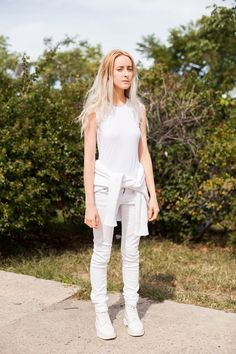 10 Killer Fall Outfits Found At The Flea Market #refinery29  http://www.refinery29.com/brooklyn-flea-street-style#slide-4  All-white monochrome adapts for fall weather with multiple layers of the crisp shade. When the temps continue to take a dive, simply slip into the sweater instead of tying it around your waist and add a thick, textured overcoat in the same shade....