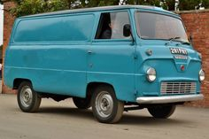 1960 Ford Thames Van Dropped Trucks, Old Lorries, Old Commercials, Bike Trailer, Cool Vans, Vintage Vans, Old Fords, Parking, Custom Vans