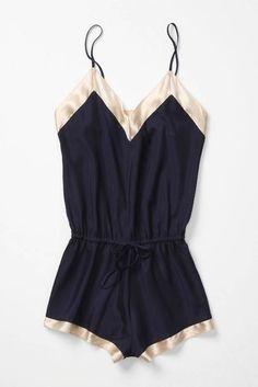 -Me encanta para usar de noche o de día con un vestido de tejido de lana...