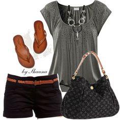I never think to put browns with greys. I like this! Black shorts, grey top, cognac sandals and accessories