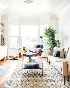 The prettiest living room! @fluxi for @homepolish #HesbyStyle