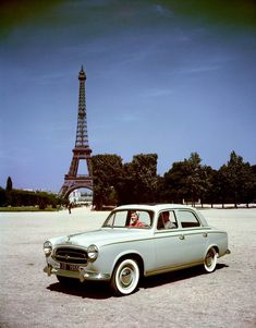1965 Peugeot 403 in Paris Peugeot 403, Auto Peugeot, Citroen Ds, French Classic, Classic Cars, Automobile, Tour Eiffel, Girly Car, Old Cars