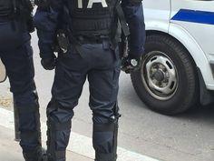 Grenade à la main-Paris-14/06/2016 © Pascal Maillard
