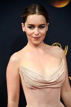 Emilia Clarke Photos Photos - Actress Emilia Clarke attends the 68th Annual Primetime Emmy Awards at Microsoft Theater on September 18, 2016 in Los Angeles, California. - 68th Annual Primetime Emmy Awards - Arrivals