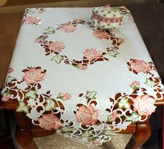 Stunning White Linen Tablecloth Topper Cutwork Embroidery Butterflies $29.99 - Google keresés