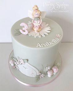 Fairy themed birthday cake Baby Girl Birthday Cake, Fairy Birthday Cake, Themed Birthday Cakes, Themed Cakes, Fairy Cakes, Sugar Cake, Celebration Cakes, Cake Decorating, Cupcakes