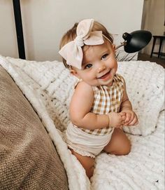 Shop the best brands in baby and kids clothing and accessories. Rylee & Cru, Mini Rodini, Oeuf, Little Unicorn, Milk Barn and more. Little Babies, Cute Babies, Little Girls, Cute Little Baby, Outfits Niños, Baby Outfits, Wanting A Baby, Future Mom, Foto Baby