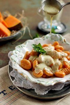 SAJTSZÓSZOS , SÜTŐTÖKÖS GNOCCHI Winter Food, Gnocchi, Camembert Cheese, Food And Drink, Party, Parties