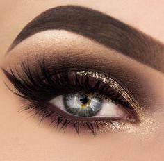 THIS!   @makeupthang #brownliner #smokeyeye #glitter