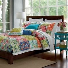 Patchwork quilt, love the size of the squares!