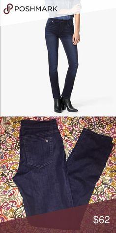 Joe's jeans cigarette straight leg jeans. Great jeans, amazing fit, perfect for curvy ladies! Joe's Jeans Jeans Straight Leg