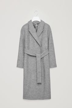 Dlouhý šedý kabát s vázačkou v pase COS | Belted wool coat