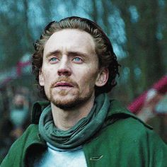 Hollow Crown (GIF)