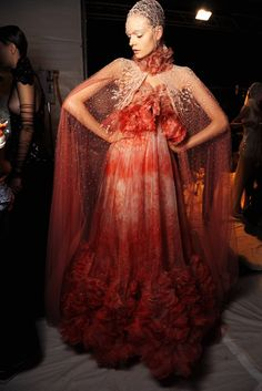 Alexander McQueen Spring 2012 Ready-to-Wear Fashion Show Beauty