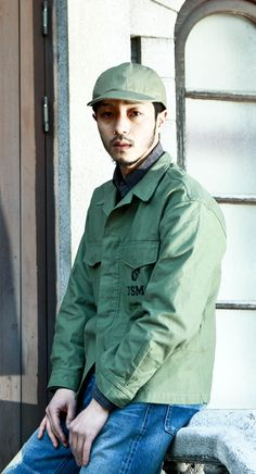 OG-107 유틸리티 셔츠, 자켓을 재해석한 디자인! 멋진 컬러감의 셀비지 진과 함께 착용해보세요. 남자모델: 181cm / 62kg / L size