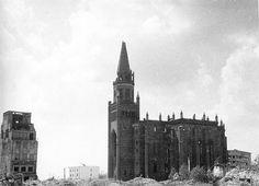 Альтштадская кирха и здание марципанового магазина Плоуды. Фото середины 1950-х годов.