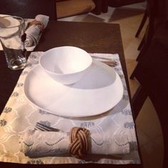 A fabulous client of ours using her ecru crab placemat and octopus printed napkins for a dinner last night. #ecru #happyclient #dinner #tablesetting #home #design #homeware