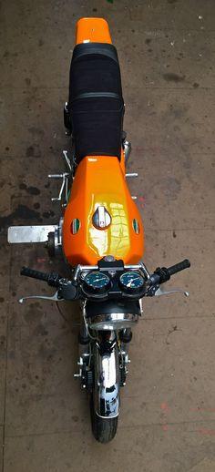 My 77' Laverda Jota Classic Motors, Classic Bikes, New Holland, Vintage Motorcycles, Cars And Motorcycles, Indian Motorcycles, Vintage Leather Jacket, Motorcycle Art, Moto Guzzi