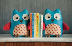 Owl bookends / SkipHop