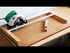 Circular Saw Track, Circular Saw Jig, Circular Saw Reviews, Power Tool Storage, Power Tools, Easy Woodworking Projects, Woodworking Jigs, Diy Projects, Serra Circular Manual