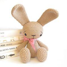 Ravelry: Sitting bunny with straight ears - Cute rabbit pattern - Amigurumi stuffed animal - Difficulty: easy pattern by Kristi Tullus