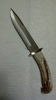 Large Drop Point Whitetail Deer Antler Handle by ElephantAtticCo Antler Knife, Nate The Great, Cool Knives, White Tail, Deer Antlers, Knife Making, Swords, Hunting, Fishing