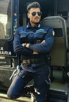 He WILL take you to Prison : Remember the Italian police the other day? Well, if you get arrested this could be the guy putting you in jail! Yet another reason to NOT be (or maybe TO be) arrested in Italy. Handsome Men Quotes, Handsome Arab Men, Scruffy Men, Hot Cops, Sexy Military Men, Strong Woman Tattoos, Beautiful Women Quotes, Hunks Men, Police Uniforms