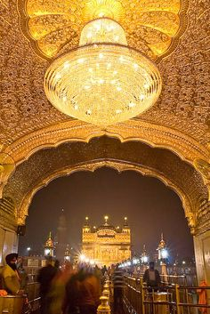 The Golden Palace (Harmandir Sahib), is a prominent Sikh gurdwara (Gateway to the Guru) located in the city of Amritsar, Punjab, India. Just beautiful! Goa India, The Places Youll Go, Places To See, The Golden Palace, Beautiful World, Beautiful Places, Simply Beautiful, Wallpapers Wallpapers, Harmandir Sahib