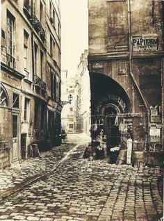 Rue des Marmousets par la rue Saint-Landry Paris – 1858 – Crédit Photo: © Charles Marville