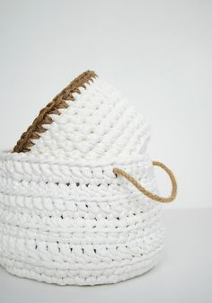 Crochet Basket madeof T-shirt Zpagetti yarn in white with jute yarn accent. Size: 21 cm wide x 14 cm height (8.26 x 5.5) Perfect to use as a