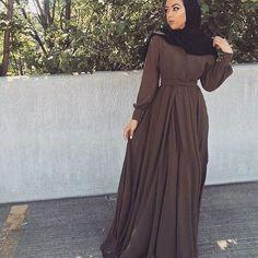 Muslimah Apparel Things ™ (@muslimahapparelthings) \u2022 Instagram photos and  videos. Maquillage RegardsRobe HijabFemme