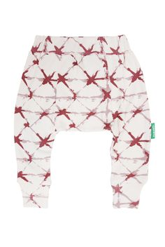 Our organic harem pants are made for moving and grooving! Finally pants that will cover that cute cloth diaper bum (well, all diapered bottoms of course). Match with kimono onesies, or a matching Parade Onesie dress. Onesie Dress, Organic Baby Clothes, Sustainable Clothing, Cloth Diapers, Organic Cotton, Harem Pants, Onesies, Fashion Outfits, Cover