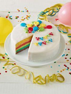 Eine wunderschöne Torte mit einer weißen Schokoladencanache