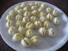 Recipe: Marzipan shells according to my mother xn - tradinrecepty . Christmas Sweets, Christmas Baking, Mini Cakes, Cupcake Cakes, Cookie Desserts, Dessert Recipes, Braided Bread, Donut Recipes, How To Make Cookies
