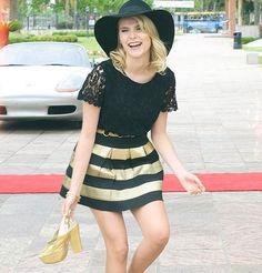 I love Valentina Disney Channel, Ambre Soy Luna, Ambre Smith, Girl Fashion, Fashion Outfits, Fashion Trends, Fasion, Tv Show Outfits, Son Luna