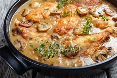 Tejszínes, gombás csirkemell - Recept | Femina Paella, Poultry, Curry, Meat, Chicken, Cooking, Ethnic Recipes, Kitchen, Minden