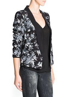 Love this Mango floral blazer!  #mango #floralblazer #blazer #floral