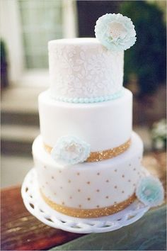 Lace Wedding Cakes - It's cake again! Today I've prepared super whimsy wedding cakes with which you can easily make a statement or continue your wedding theme. Confectioners can bring to life almost any of your fantasies – from a fl. Whimsical Wedding Cakes, Beautiful Wedding Cakes, Beautiful Cakes, Diy Snowman, Sock Snowman, Snowman Ornaments, Christmas Snowman, Snowmen, White And Gold Wedding Cake