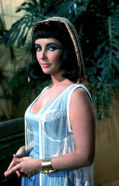 Cleopatra - Elizabeth Taylor