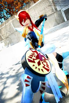 Erza Scarlet - Fairy Tail cosplay by Zhel Guiral / photo by Dennis Li