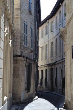 Rue du Roi Rene, Avignon, France [1594x2400][OC]