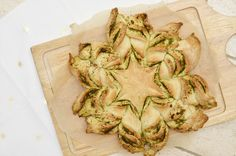 Kerstster brood met pesto